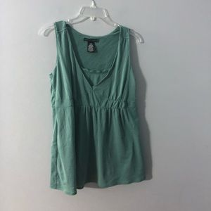 Apostrophe tank style green career top M